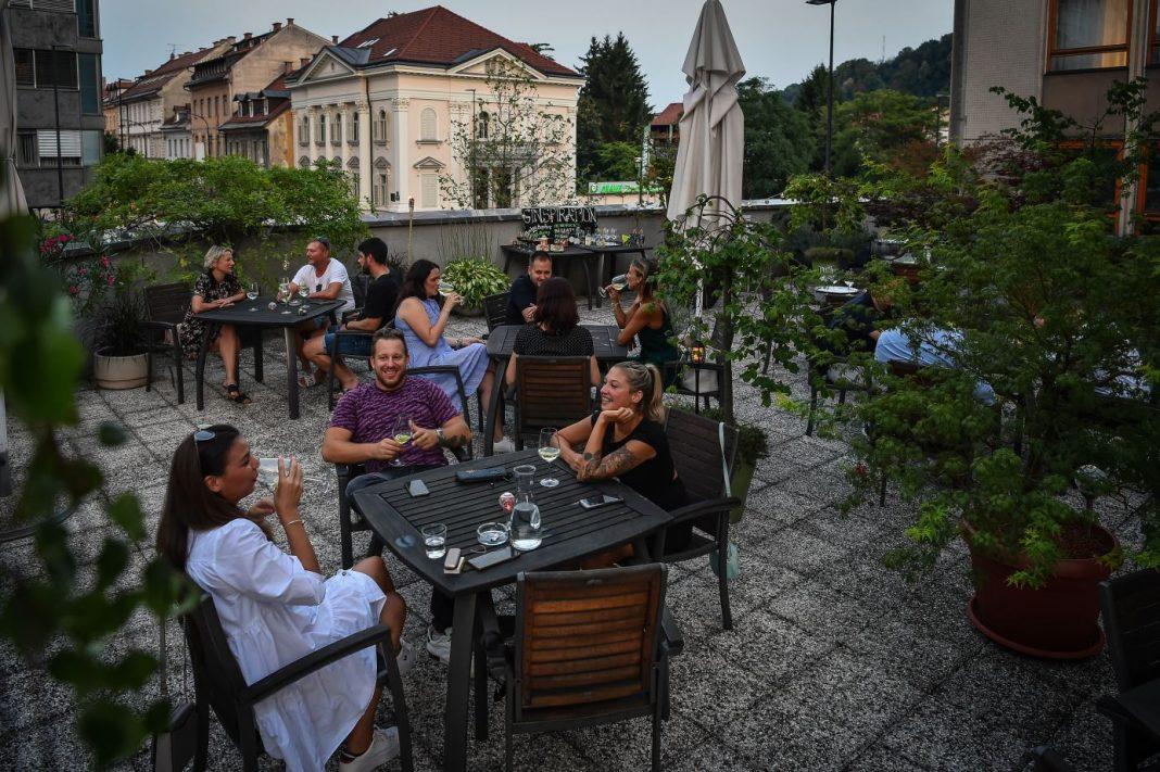 City Hotel terrace vibe