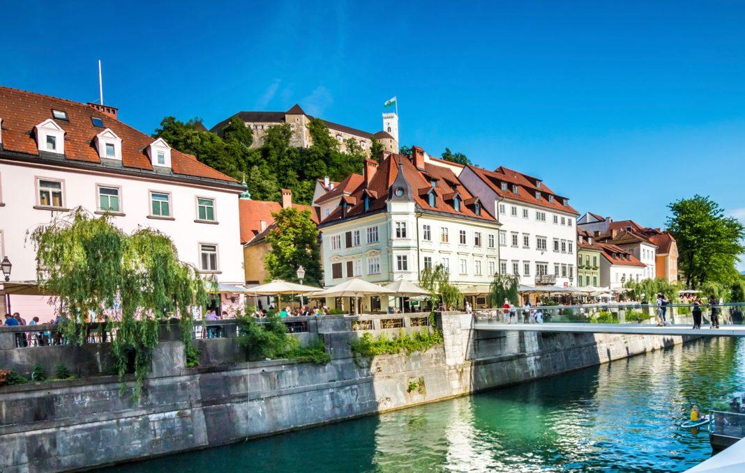 Ljubljanica, nabrežja, grad, Blaž Pogačnik (28)