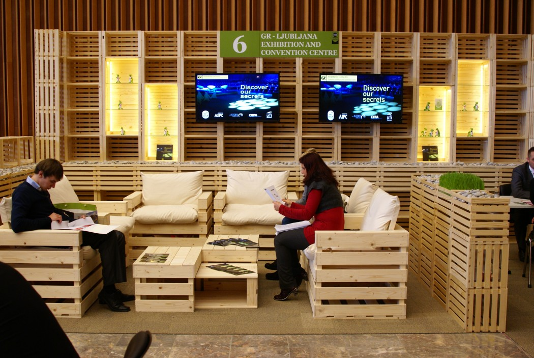 sustainable stands of wooden crates