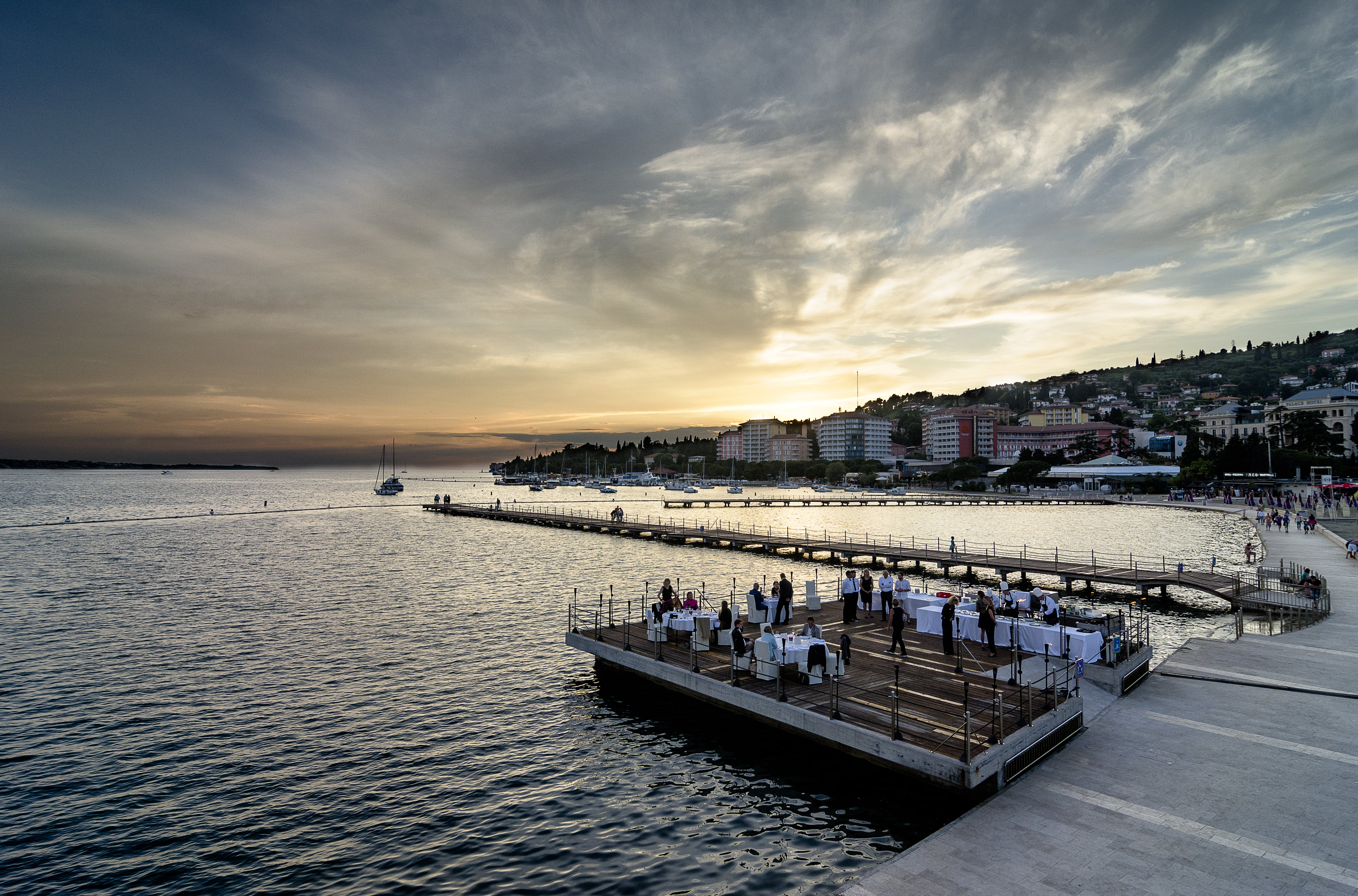 TZP_Dinner on the Pier
